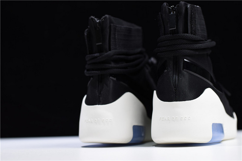 PK GOD NIKE AIR FEAR OF GOD SHOOT AROUND WITH RETAIL