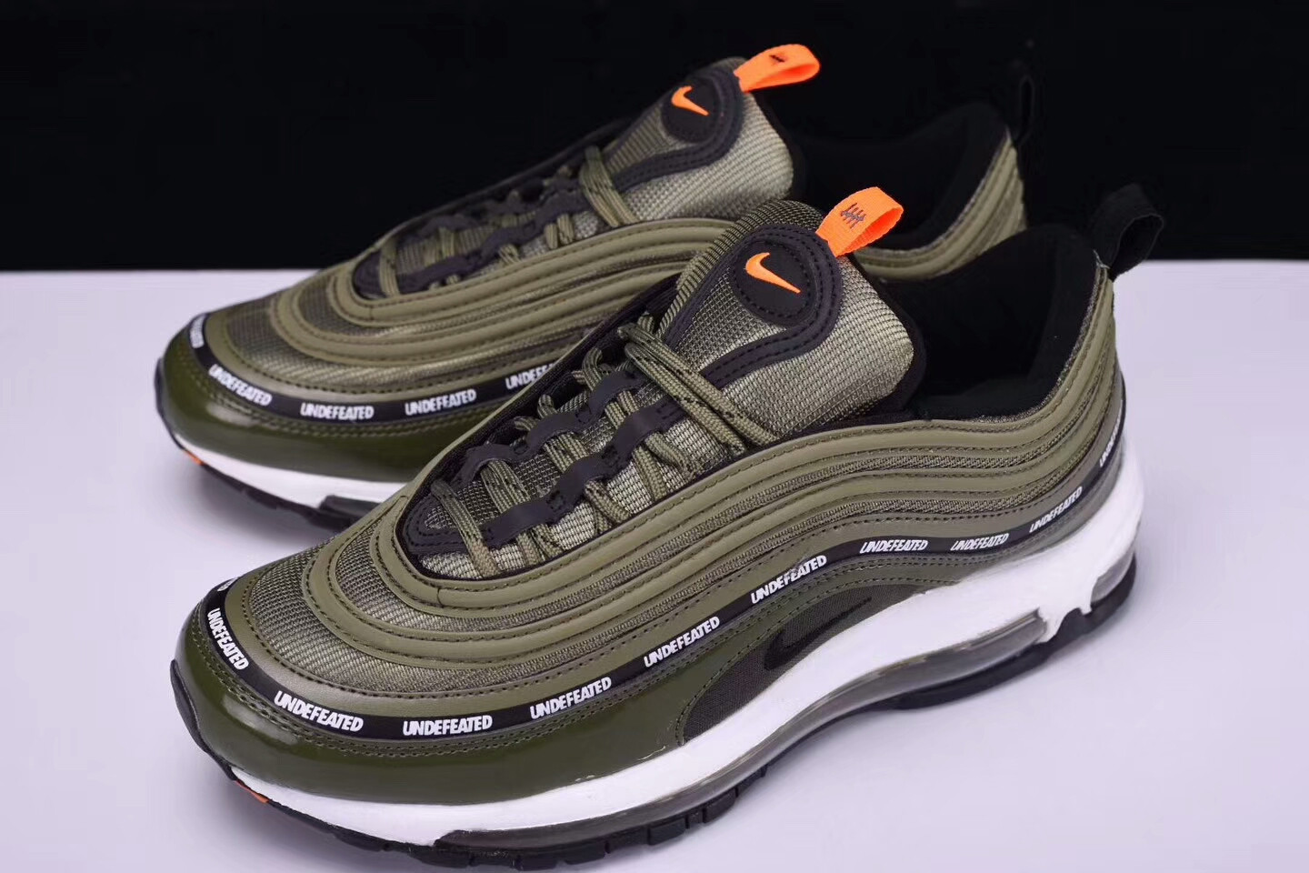 undefeated air max 97