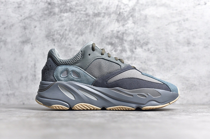 YEEZY 700  TEAL BlUE
